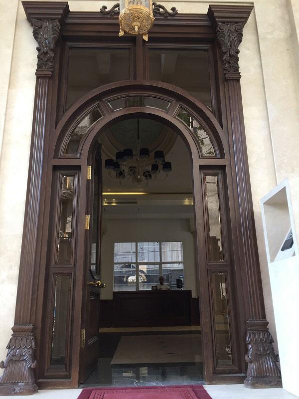 درب لابی چوبی شرکت اُرسی