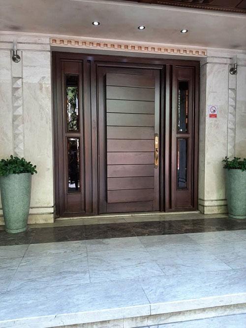 درب ورودی لابی ساختمان